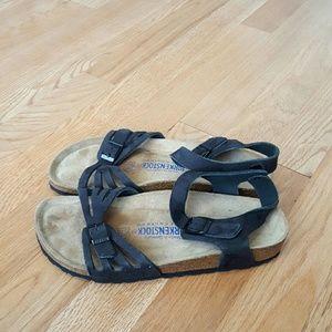 Birkenstock Shoes - Birkenstock bali sandals size L8 39
