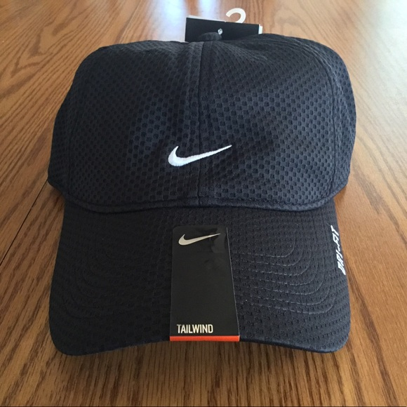 e3f48927f066f Nike TailWind Golf Dri-Fit Hat NWT