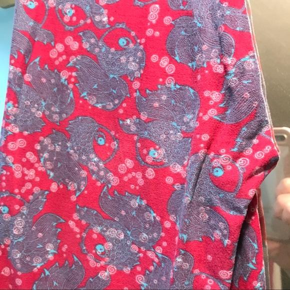Lularoe one size lularoe fish and bubbles leggings from for Lularoe fish leggings