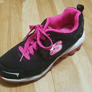 Skechers Other - Skechers Girls Sneakers Black Pink Size 4