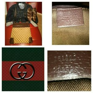 """GUCCI Handbags - AUTHENTIC """"GUCCI"""" CROSS BODY BAG (Larger Size)"""