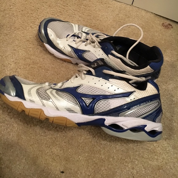 mizuno volleyball shoes purple rain