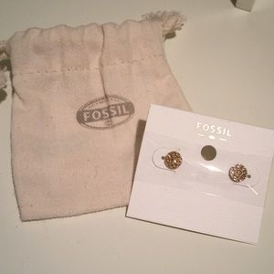 NWT fossil rose gold stud earrings