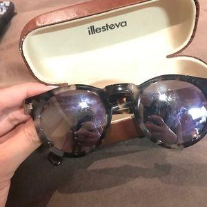 Illesteva Accessories - Reflector Sunglasses