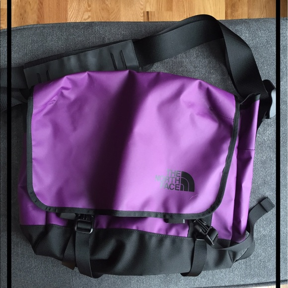 ... North Face Base Camp Messenger Purple. M 59210c379c6fcff560081345 46b7c63ad3410