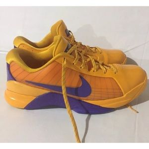 Nike Shoes - Nike 2008 Hyperdunk Low Kobe Snake Pool Edition 071d59d2e