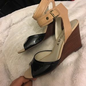 Report Shoes - Wedged sandle 🎉LOWEST PRICE‼️🎉