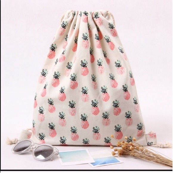 kikisflorida Handbags - 🔥2- LEFT/ FINAL PRICE🔥 PINEAPPLE STRING BAG