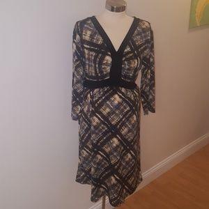 Black, yellow, grey 3/4 sleeve maternity dress