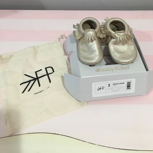 Freshly Picked Shoes - FP leather moccasins  for babies