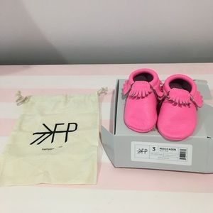 Freshly Picked Shoes - FP baby leather moccasins in hot pink