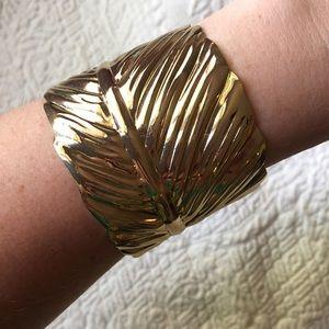 Leaf Cuff Bracelet • Gold.