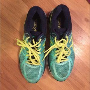 Asics Shoes - Asics size 8. Like new. Sale🎉🎉