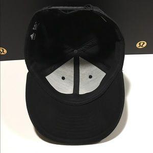 302dabb657d63 adidas Accessories - Men s Adidas Tango SnapBack Hat Grey or Black USED