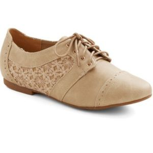 ModCloth Shoes - Oxford lace flats