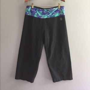 Marika Pants - Yoga pants sz Large.  Black with green/blue waist