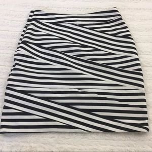 Express Dresses & Skirts - Express 6 Black White Stripe Fitted Stretch Skirt