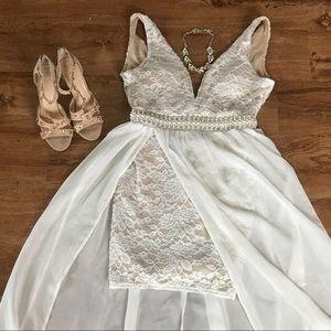 Crystal Doll Dresses & Skirts - Beautiful Ivory Dress