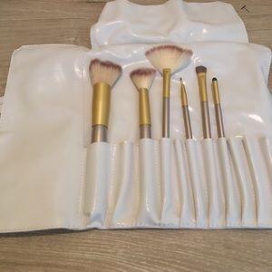 Partial brush set, new