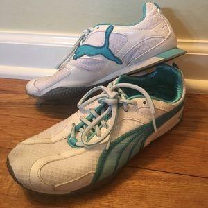 0b8898ec5514 Puma Shoes - Pump Sz 6 Women s Lightweight Sneaker
