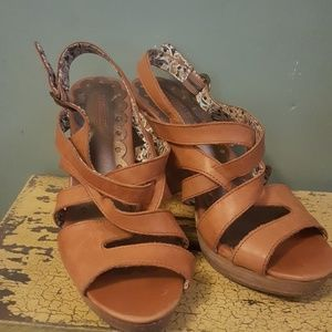 Seychelles Shoes - Seychelles camel 8 and 1/2 heeled sandals