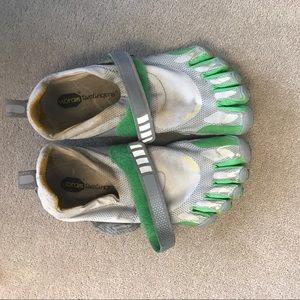 Vibram Shoes - Vibrams 5 finger shoes barely worn