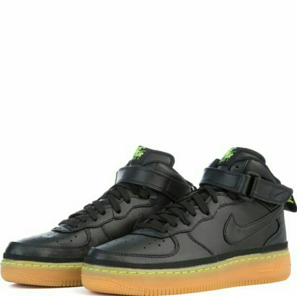 le scarpe nike nuove air force 1 metà lv8 blacklime greengum poshmark