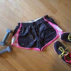 Under Armour Pants - UA heat gear athletic shorts