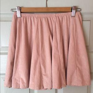 Freshman Dresses & Skirts - Pale pink skirt w/elastic waste & bounce 🙃💓