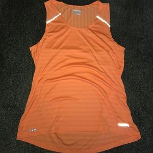 Saucony Tops - Saucony Tank Size Small