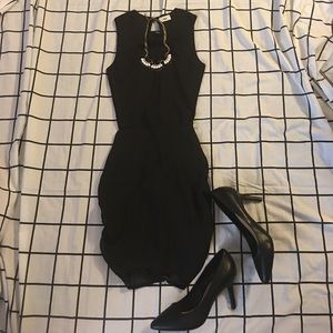 tobi Dresses & Skirts - 🎉2/$15 Sexy black dress with exposed back