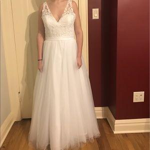 Allure Bridals Dresses & Skirts - Allure Romance Wedding Dress