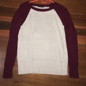 Burgundy and tan American Eagle sweater
