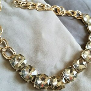 Crystal necklace, statement piece!