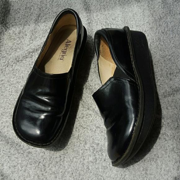 75% Off Alegria Shoes - Alegria Work Nurse Shoes Clogs Black From Evgueniu0026#39;s Closet On Poshmark