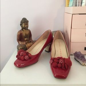 Red flower flat toe heels