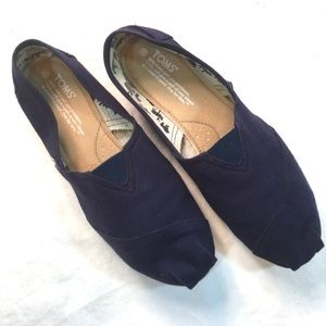 TOM'S Shoes - Tom's Navy Canvas Slip On Shoes