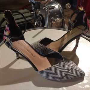 Chinese laundry heels size 8