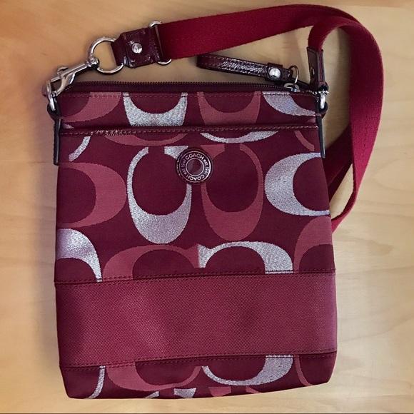 26cf1951e01c Coach Handbags - Coach Crossbody Purse ❤ Donating 6 30!