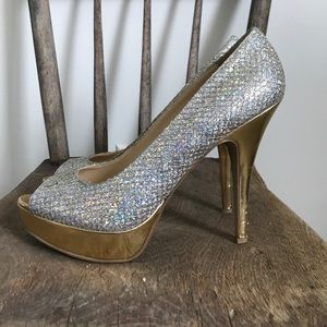 Enzo Angiolini Shoes - Enzo Angiolini silver gold sparkly glitter pumps
