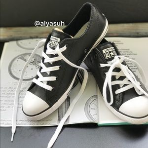 Converse Shoes - Converse Adult Vulc Black Leather W, size 8
