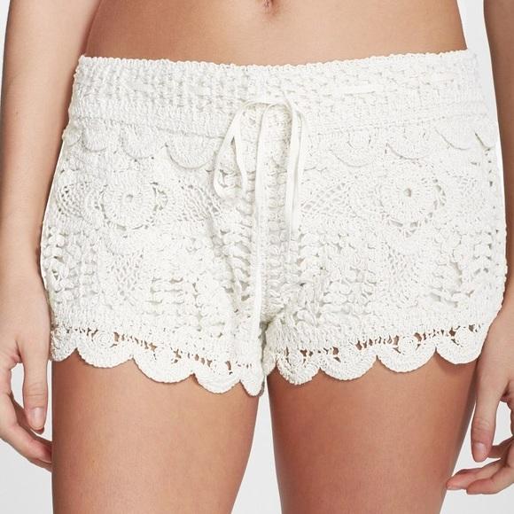 NEW! Surf Gypsy05 White Crochet Shorts
