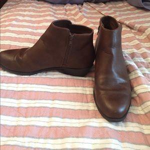 Dark brown booties!
