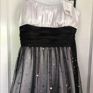 Blondie Nites Dresses & Skirts - NWT Dress (Homecoming, Event, etc.)