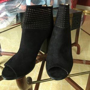 Report Shoes - Black booties