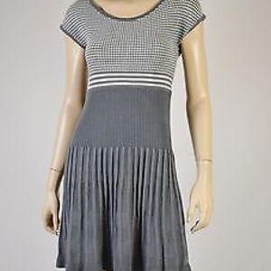 Max Studio Classic Pleated Grey and White Dress