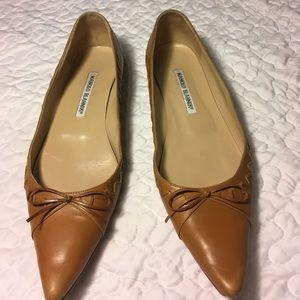 Manolo Blahnik Shoes - Manolo Blahnik  tan flat shoes