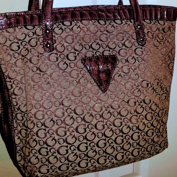 2ee8e67f5a9a Guess Handbags - NWOT Guess G Logo Purse Tote Bag Mocha Brown Tan
