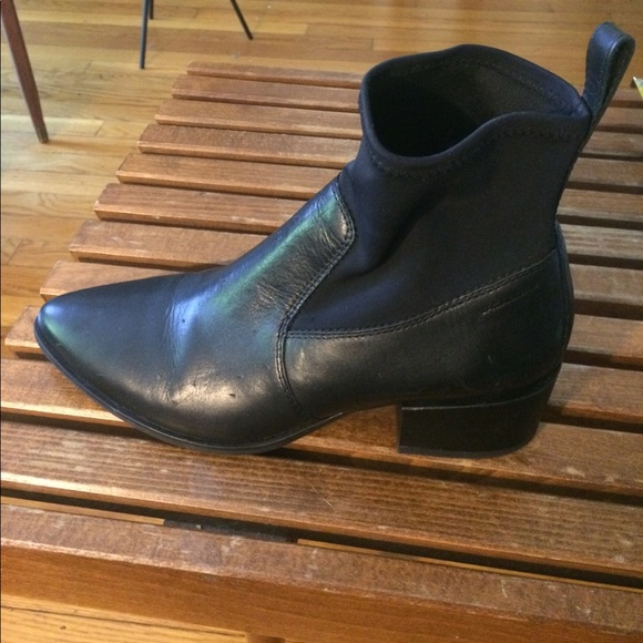 47% off Vagabond Shoes - Women's Vagabond black leather Chelsea boot from Wendy's closet on Poshmark