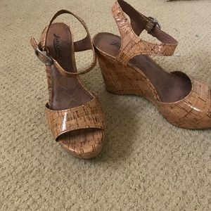 LUCKY BRAND CORK SANDAL WEDGES